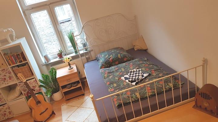 cosy room near Popakademie