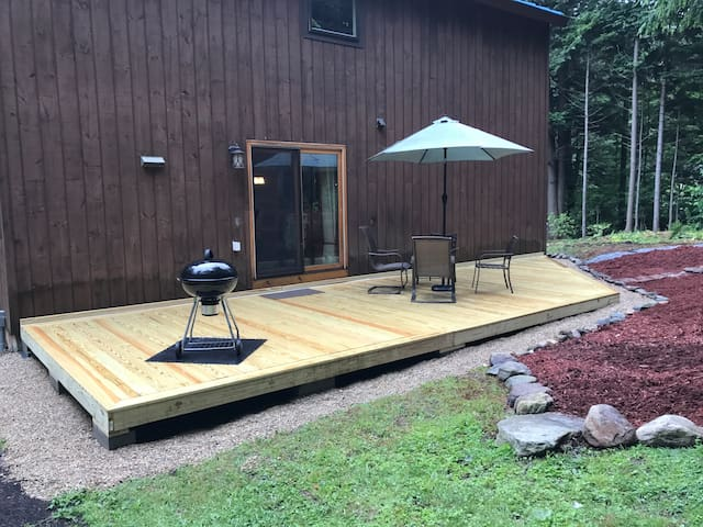 Upscale Mountain Retreat >5 Min from Mt. Snow Base