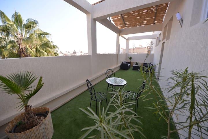 Bonjour! Welcome to Agadir.     #4