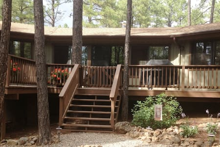 Pinecone Cottage - Perfection in the Pines! - Munds Park - Cabana