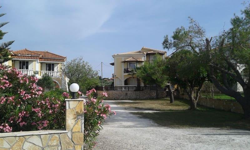 Perfect big apartment close to the sea.