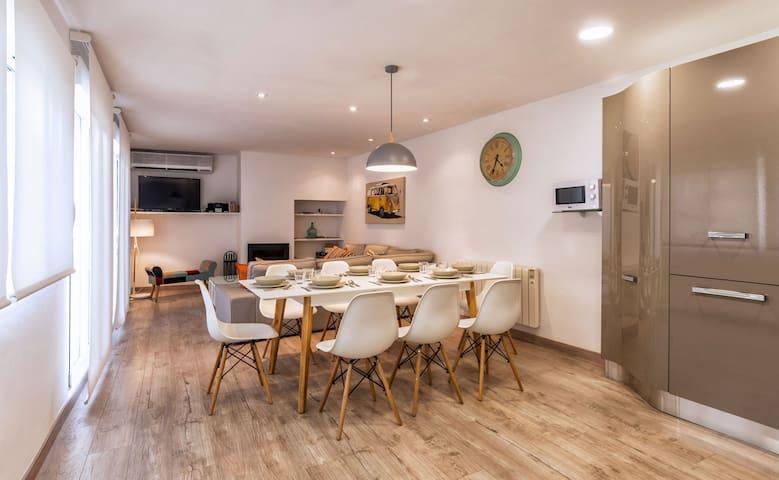 Bonito piso con terraza y barbacoa - Balaguer - Apartment