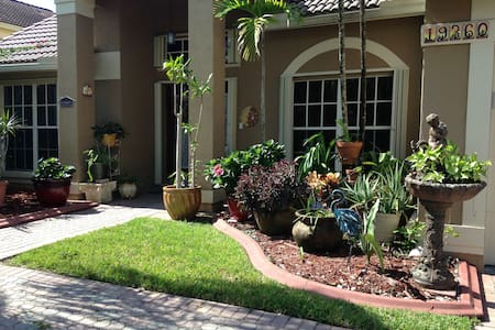 A room away from home - Pembroke Pines