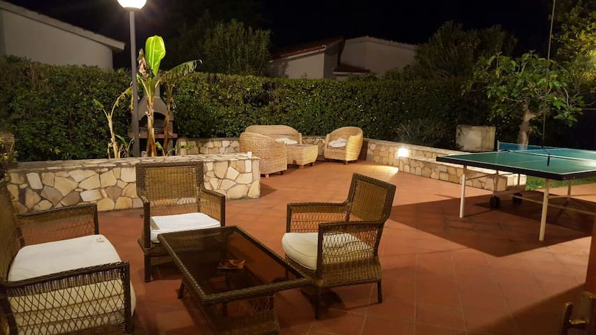 VILLA BELLA, FRESCA, AMPIA E COMODA - ELEGANTE - Serluca-calabaia Isola Palazza