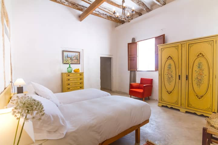 Nispero private room within a beautiful Finca.
