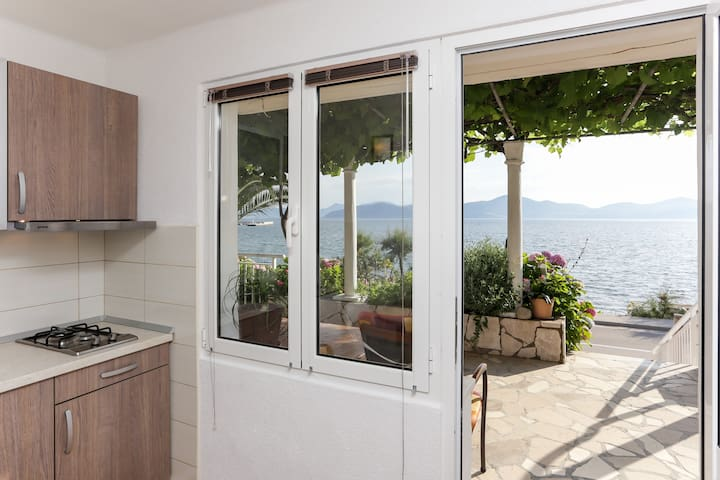 Stipo - Apartment with terrace & sea view A4