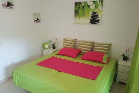 Cozy room with own bathroom Los Cristianos
