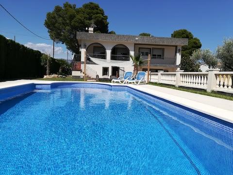 Villa Anba , groundfloor condo,2 pers ,beach 3km