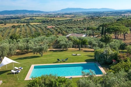 Villa with pool in the middle of Maremma - Magliano in Toscana - วิลล่า