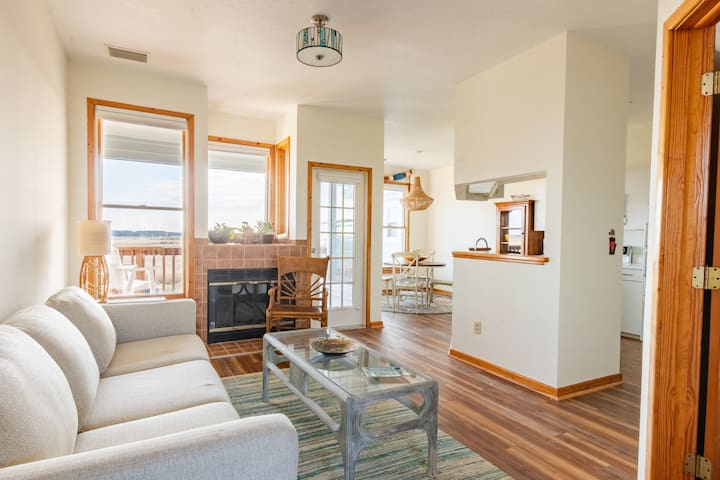 OBX Pirate's Cove/Manteo Townhouse with a View