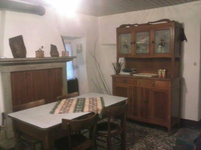 Caratteristica casa - Forno D'ono - Dům