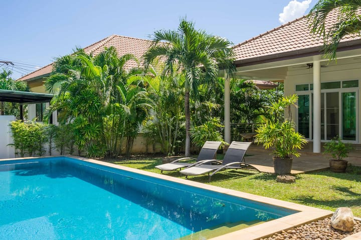Deluxe 4 Bedroom Private Pool - Phuket - Villa