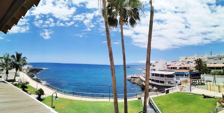 La Caleta 1st sea line amazing view, FAST WIFI