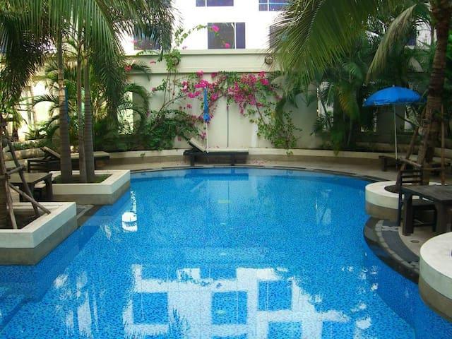 Deluxe one Bedroom Condo w.Pool-GYM & Sauna 8-7