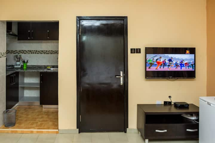 Executive Studio2 with kitchen- Magodo GRA