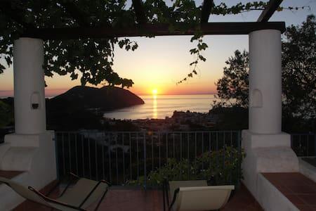 Villa Hermes Case Vacanza - Lipari - Huoneisto