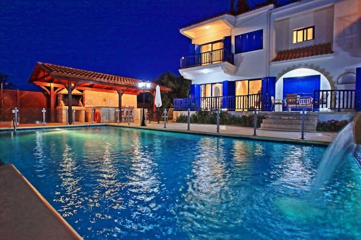 Villa Mandola Rosa: Amazing views and pool