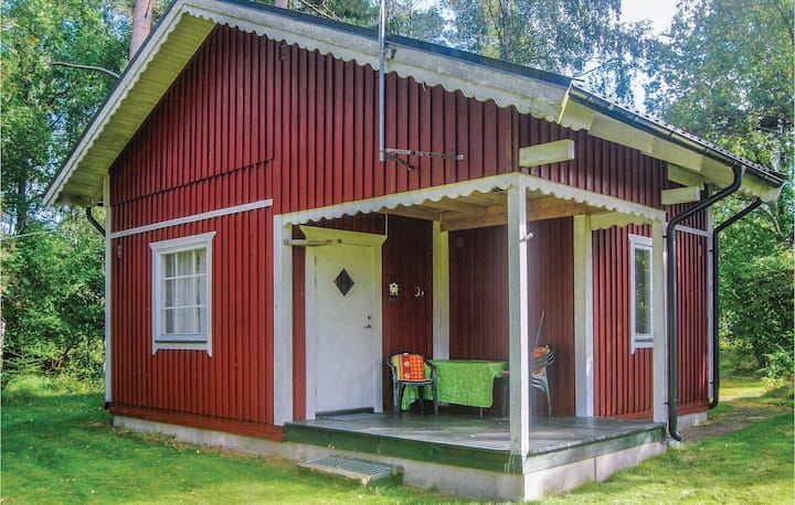 Nice home in Munka-Ljungby with WiFi and 1 Bedrooms