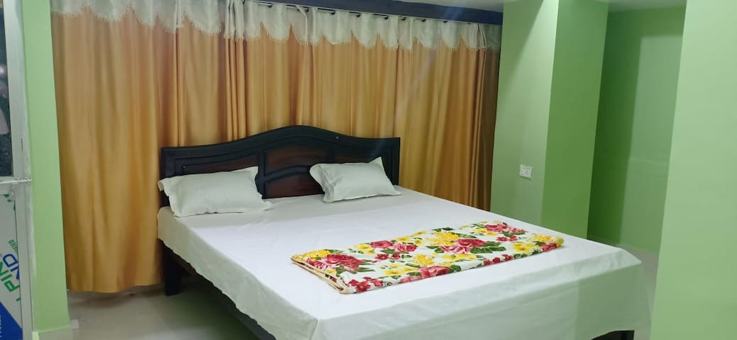 Budget Double Bed room non attached bathroom
