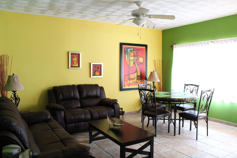 Ceiling fans in bedroom and livingroom