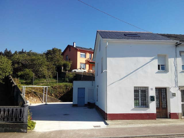 Casa pequeña en Espasante co huerta - Ortigueira, Galicia, ES - Rumah
