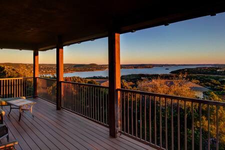 Lake Travis - Hollows Hilltop Casita Amazing View