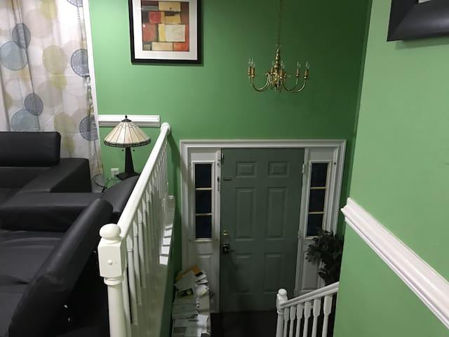 Room for Rent - Hyattsville - House