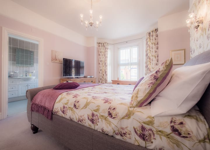 The Oak Suite - TLC Exmouth Bed and Breakfast