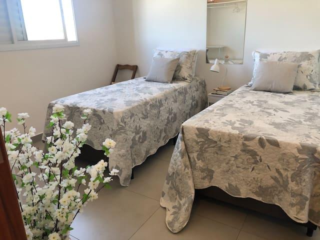 2 camas ou uma de casal - quarto numero 2
