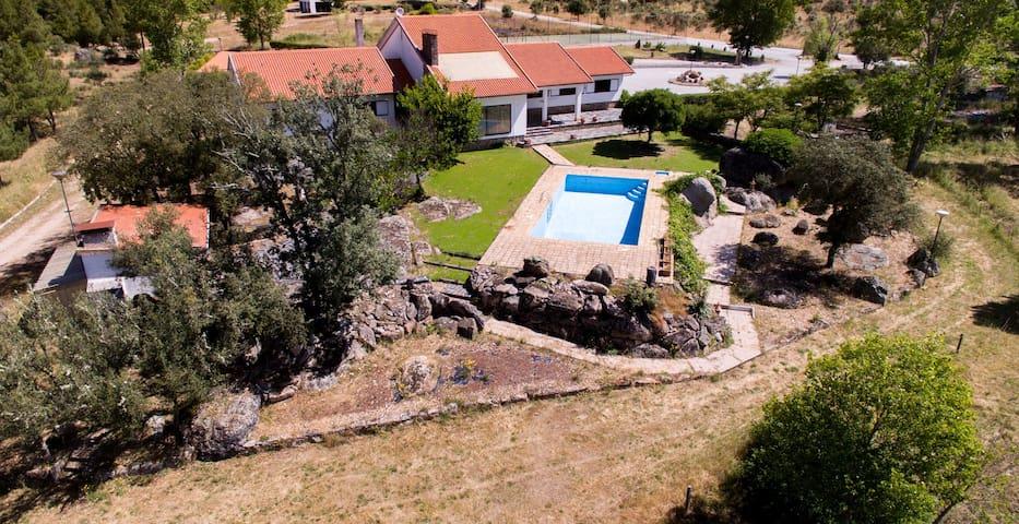 Quinta das Igrejeiras  - casa completa com piscina
