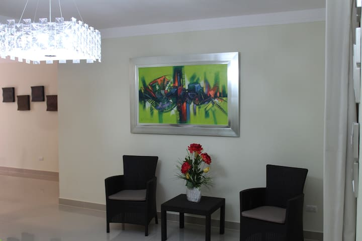 Beautiful modern apt. 3 bedroom - Santiago De Los Caballeros - Daire