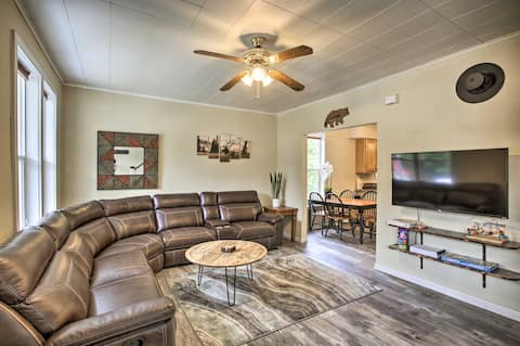 NEW! Charming Haven - Walk to Town <8 Mi to Skiing