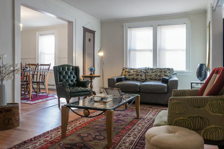 *DISCOUNT* Eclectic Apartment-- EWR/trains to NYC!
