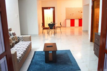 COZY NEST 2BHK IN WHITEFIELD - Daire