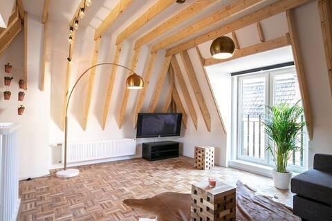 3-storey Modern house