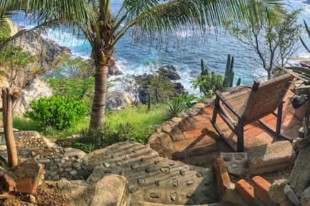 Cliffside Villa by the Sea - Puerto Ángel