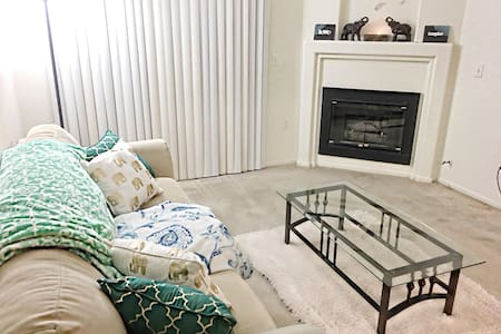 Cozy 1Bdr With Parking Included - Henderson - Wohnung