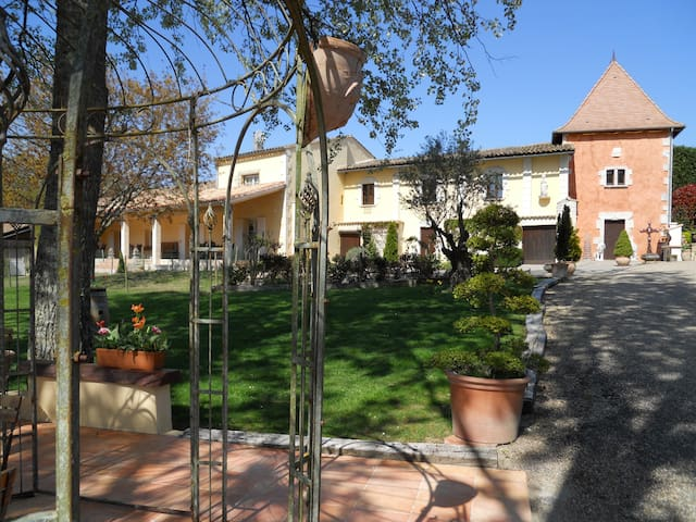 Appartement dans propriété équestre - Port-Sainte-Foy-et-Ponchapt - Appartement