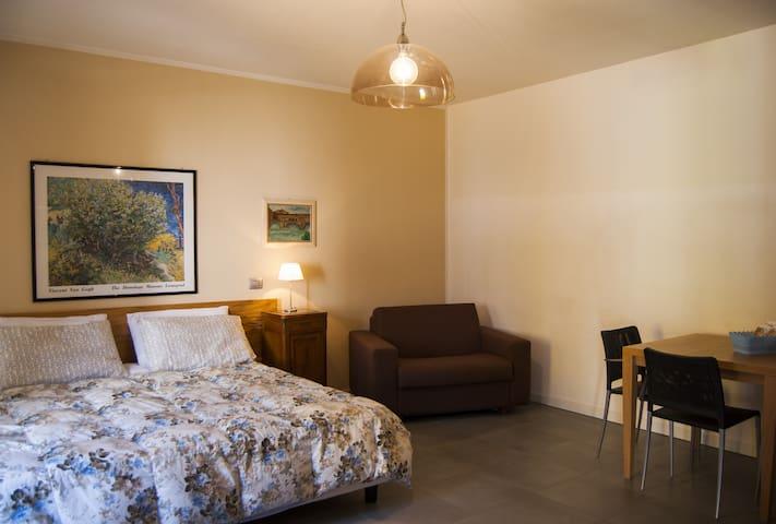 Accogliente MONOLOCALE DELUXE - Scanzorosciate - Apartament
