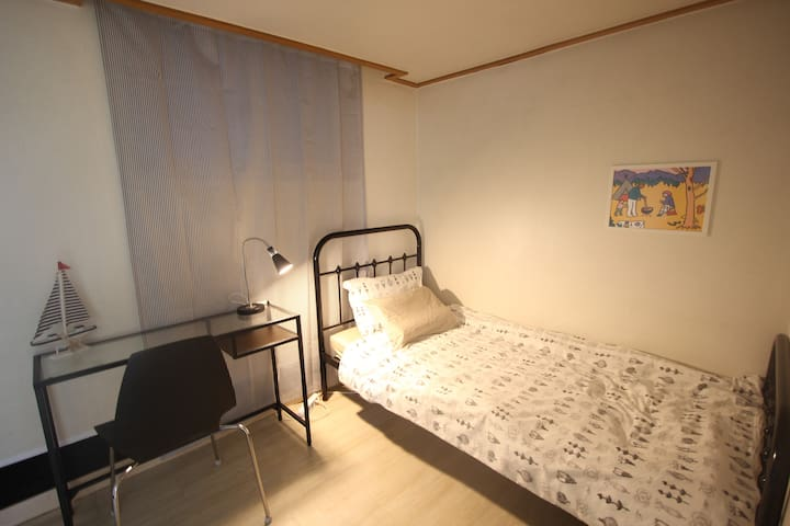 private single room 106 @bombom house