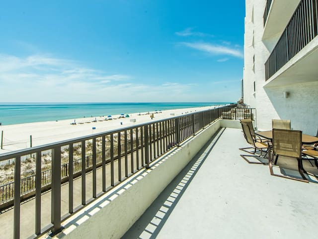 Aquavista Beach Condo! Low floor west end
