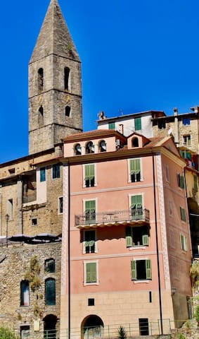 Charming House in Liguria (rent an entire Home)