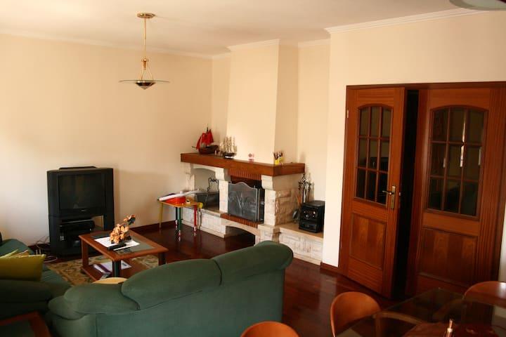 Apartamento localizado entre Porto e Aveiro - Vila de Cucujães - Huoneisto