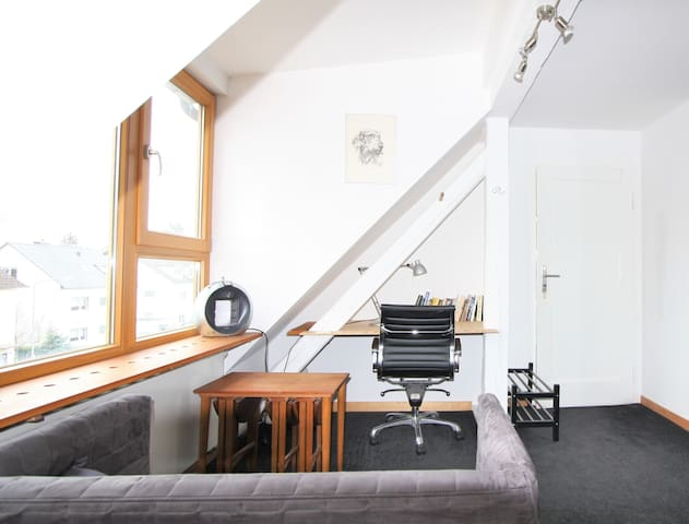 your place to stay in frankfurt