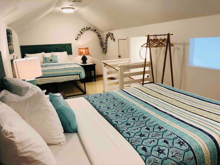 Burlap & Grain Loft Bedroom Cottage 3A