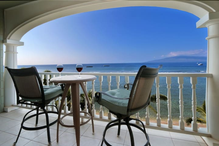 Oceanfront 6th Floor Unit with Panoramic Views - Lahaina - Kondominium