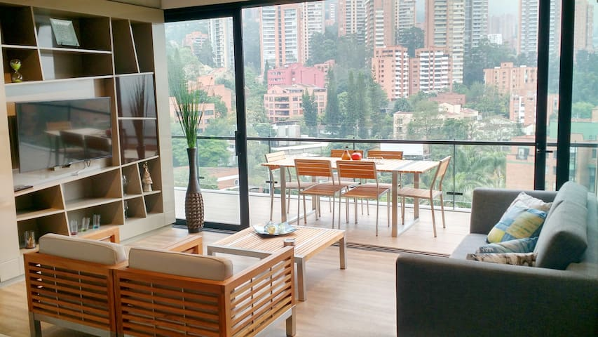NEW Suite Great Balcony, Energy Living El Poblado - Medellín - Lägenhet