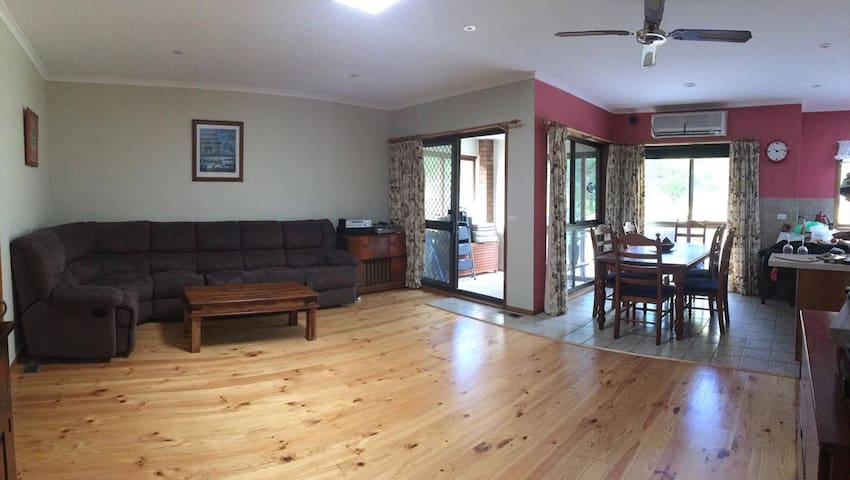 Ocean Grove- Iconic- Spacious home