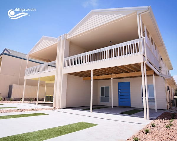 4 bed beachfront home  (Blue) - Aldinga Beach
