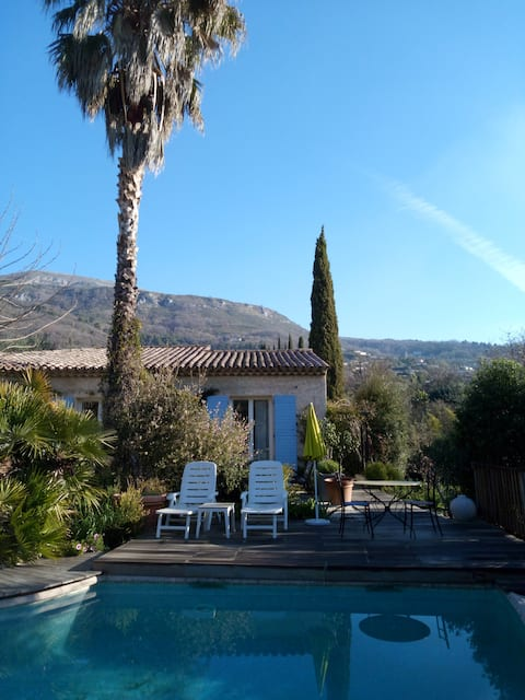 Gite de charme, piscine, jardin, terrasse, bbq